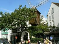 Montmartre-Moulin-de-la-Galette.jpg