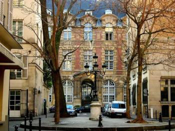 VP-Saint-Germain-Place-Furstenberg.jpg