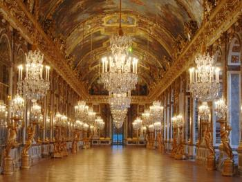 Visite-Musee_Versailles-Galerie-des-Glaces.jpg