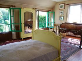 Giverny-chambre-monet.jpg