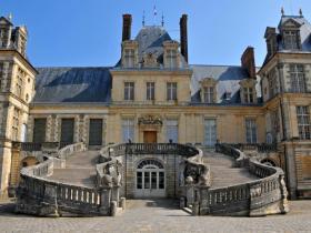 Chateau-de-Fontainebleau.jpg