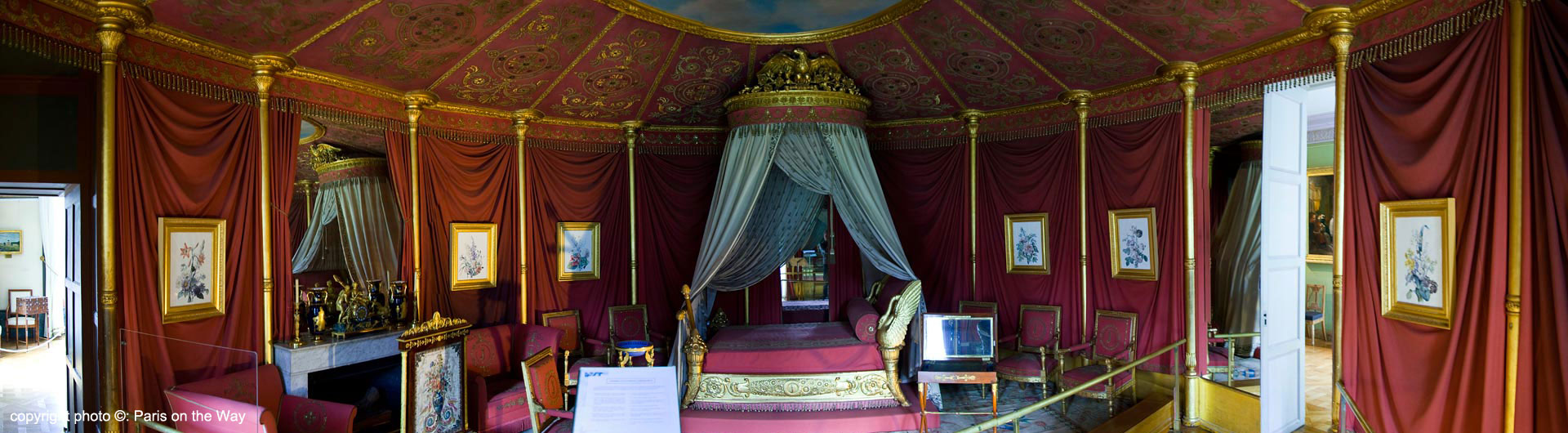 THE EMPRESS'S BEDROOM