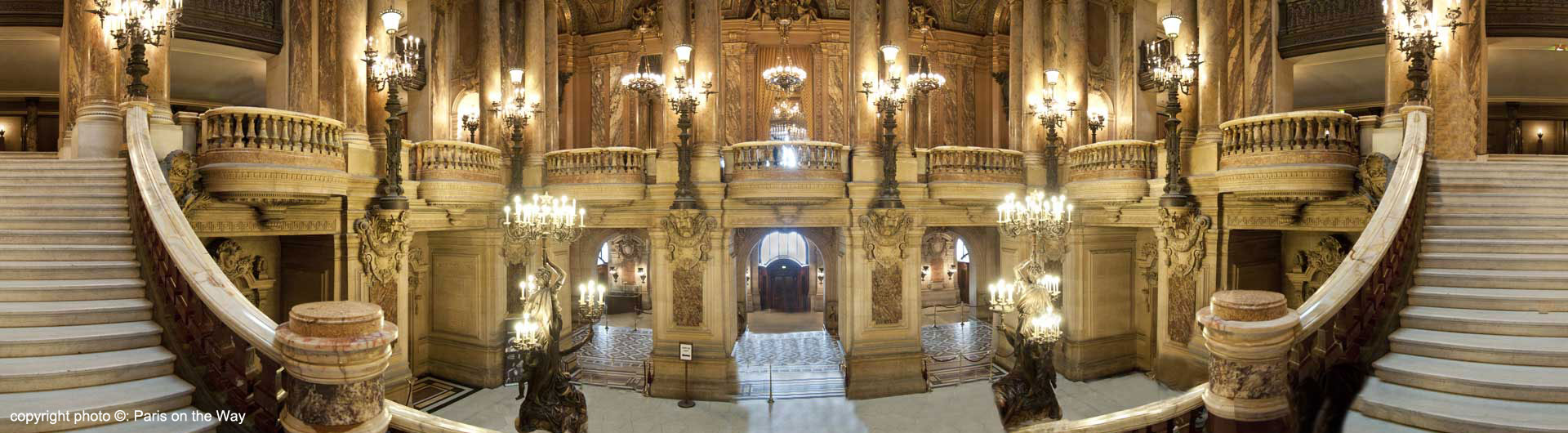 THE OPULENT GRAND STAIRCASE