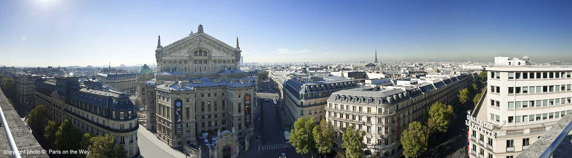 PANORAMIC VIEW OVER THE PARIS ROOFTOPS